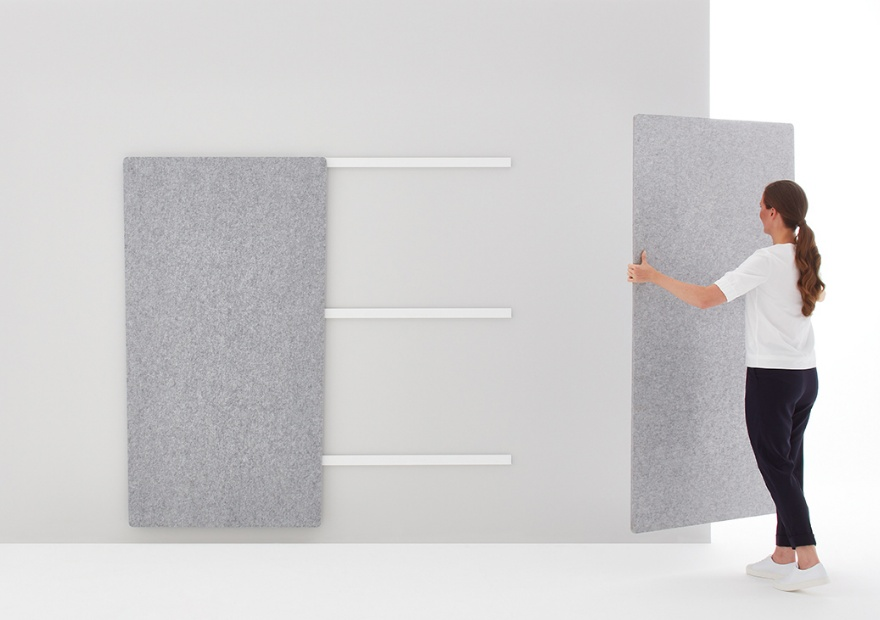 Moving Pinboard Acoustic Panel grau mit Model _2_ 880x620