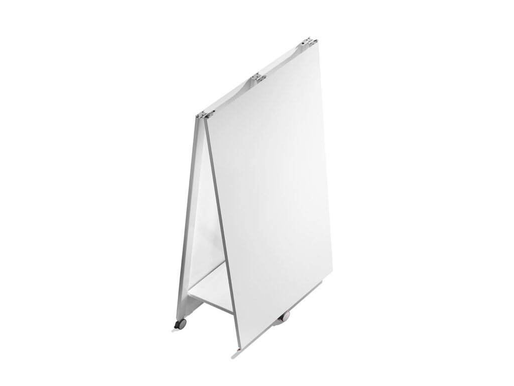Agiles und mobiles Whiteboard Moving Wall fuer Design Thinking