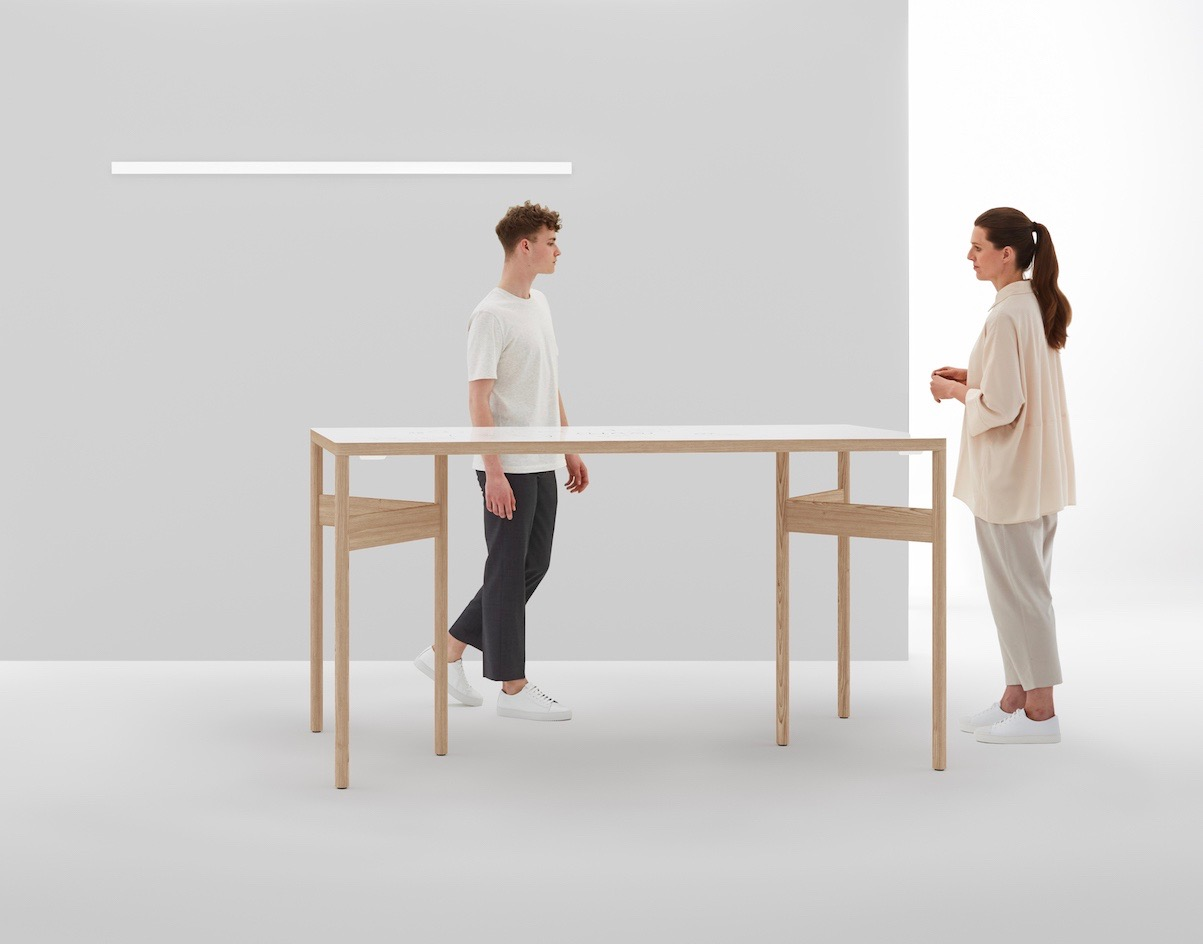 mobile standing table moving table for design thinking and agile stand up meetings