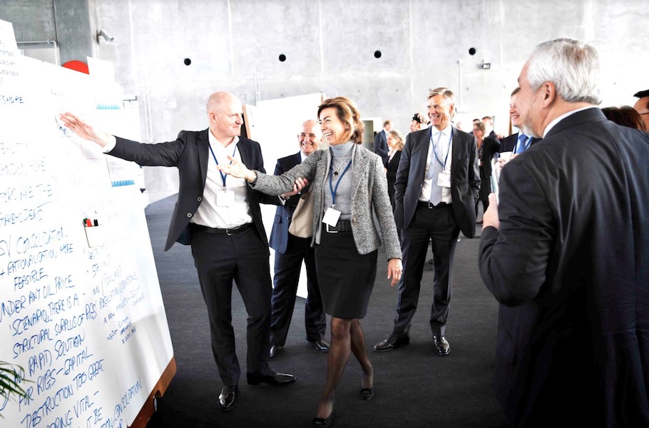 dynamische-praesentationen-an-workshops-mit-whiteboards-von-moving-walls